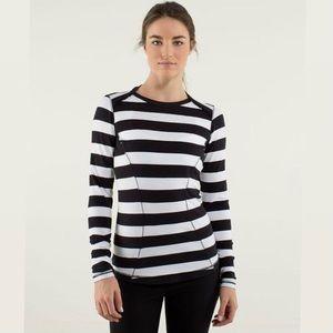 Lululemon Base Runner long sleeve shirt. 🖤
